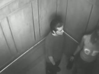 prostitues baise dans un ascenseur