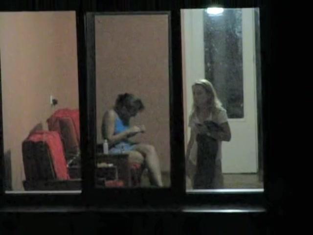 Женские подсмотренное в окна секс