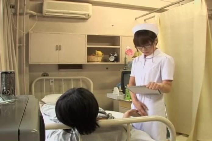 Медицинский осмотр японок видео, зашел в гости и выебал соседку
