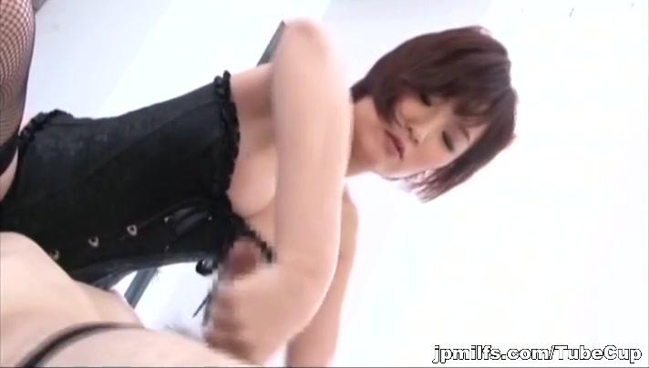 naomi obtient son cul baisee dur
