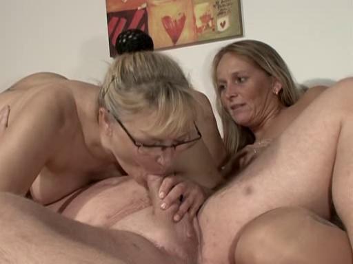 baise avec son vieux garagiste